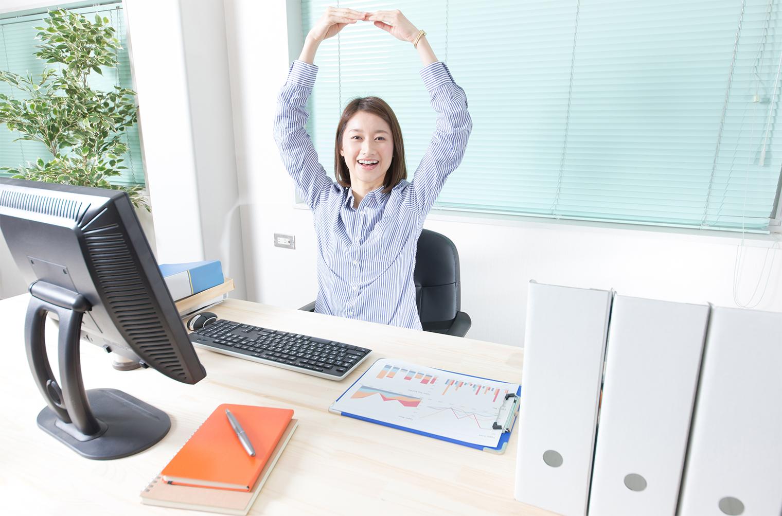 仕事ができる人の机がキレイってホント?デスクの整理整頓テクニック