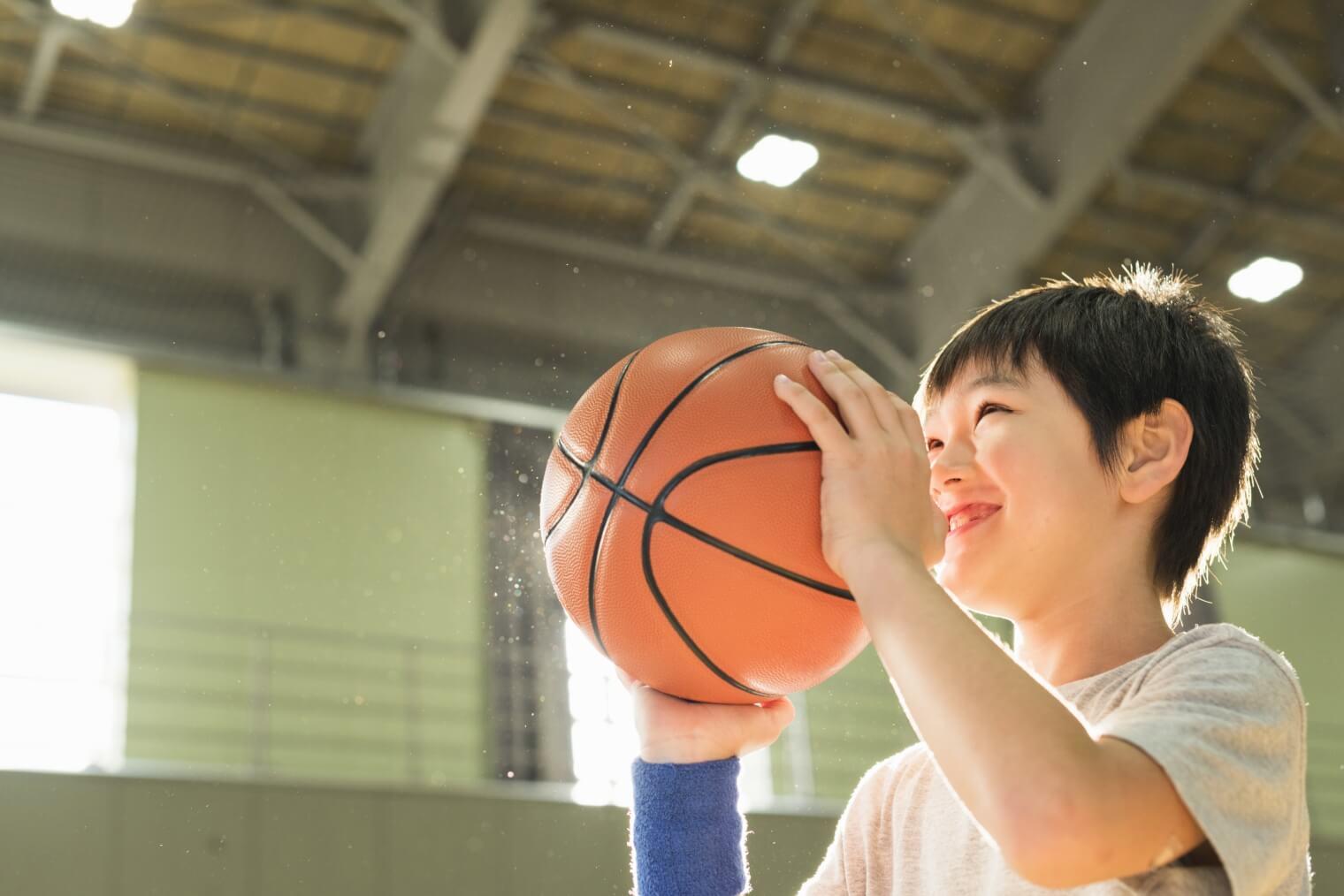 バッシュやボールのバスケット用品は正しい保管方法でカビから守ろう