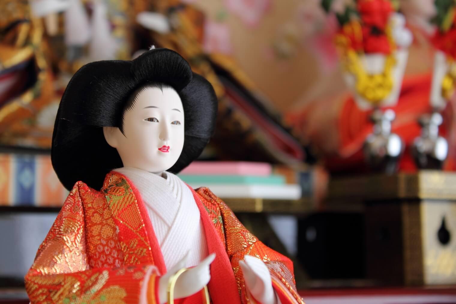 市松人形や日本人形の髪のお手入れ方法や保管方法をご説明します