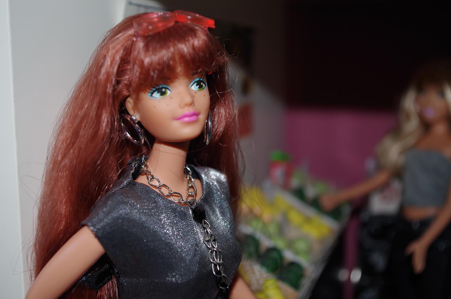 女の子の大事なアイテム!バービー人形はトランクルームで保管しておこう!